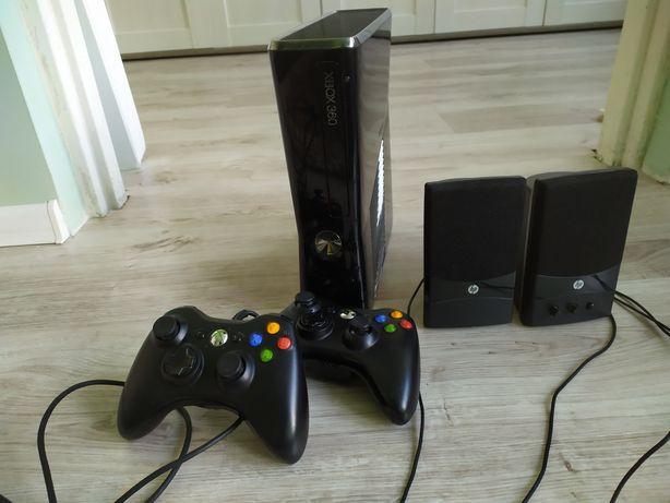 Mam na sprzedaż Xbox 360 i 2pady