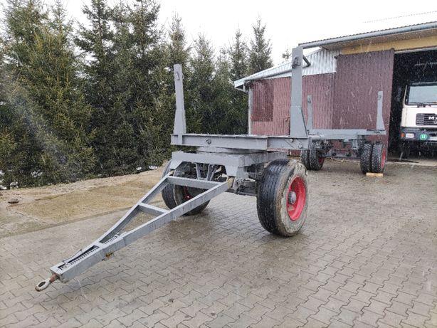 Fabryczny wóz do przewozu drewna