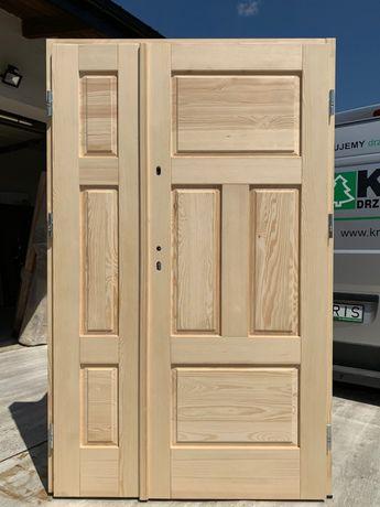 Drzwi zewnętrzne dwuskrzydłowe ocieplane drewniane