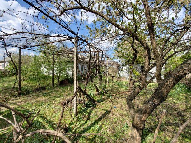Продам дом с землёй  г. Ладыжин