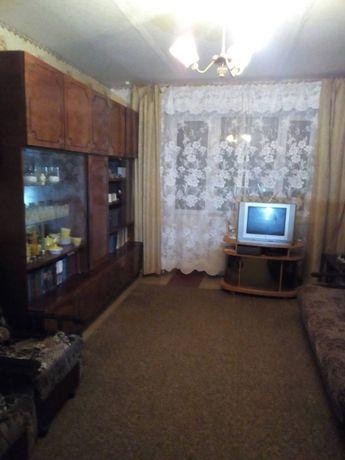 продам 2-к квартиру в центре г. снежное по ул. гагарина