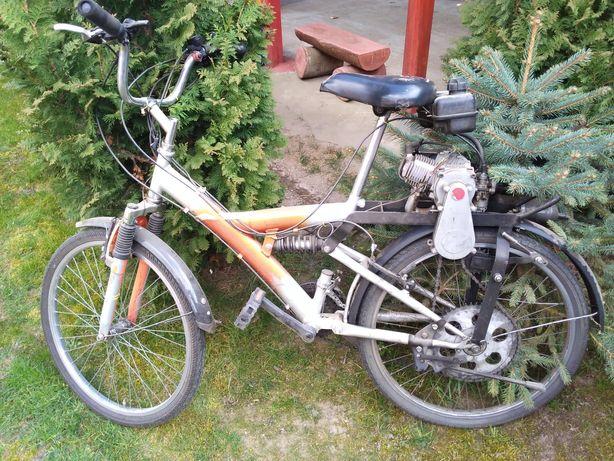 Rower z silnikiem kłada