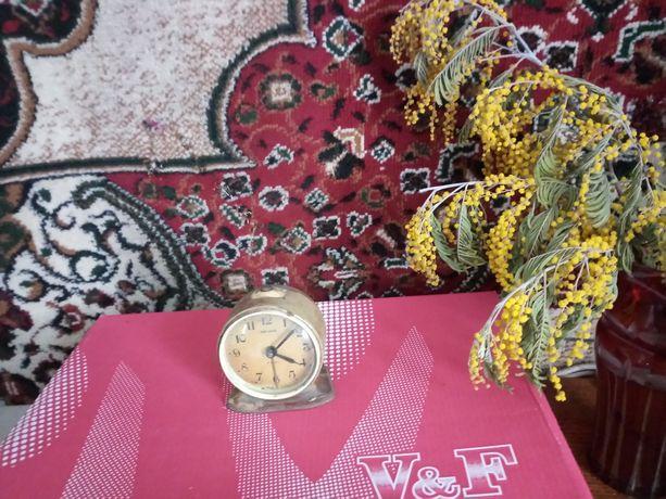 Раритетный будильник, часы СССР