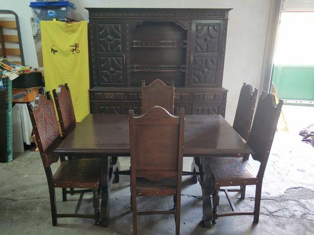 Mobília Antiga de Sala de Jantar