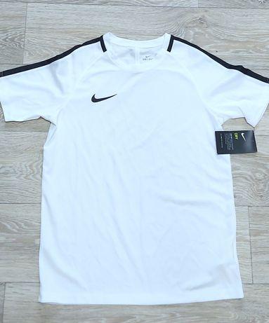 T-shirt koszulka Nike Dri-Fit nowa 147 - 158