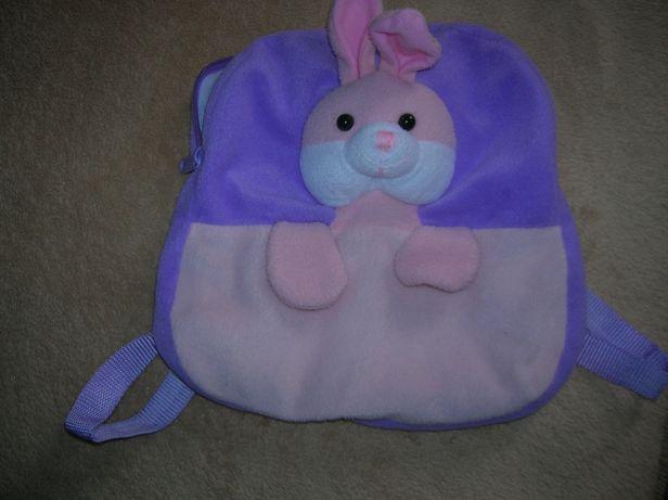 plecak z króliczkiem