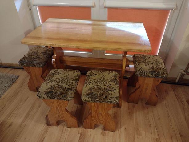 Stół + cztery taborety