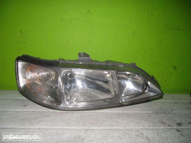 PEÇAS AUTO - VÁRIOS - Honda Accord - Farol Direito - F995