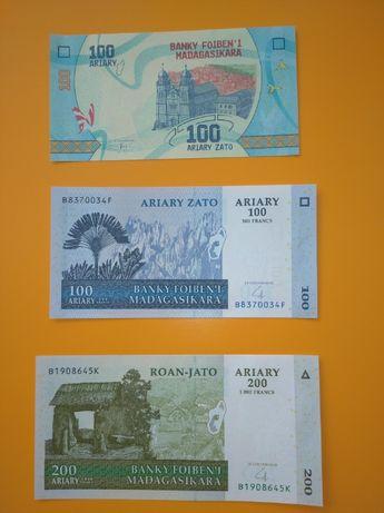 набір нових банкнот Мадагаскар 3 шт
