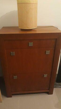 Sapateira com dois compartimentos e uma gaveta