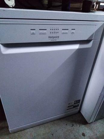 Máquina de Lavar Louça ARISTON Hotpoint...como nova