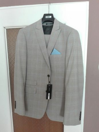 Nowy garnitur marki PAWO