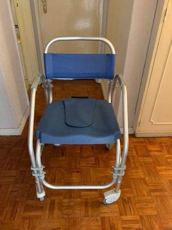 Cadeira sanitária e de banho