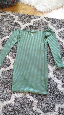 Nelly zielona prążkowana sukienka odkryte ramiona mini dopasowana