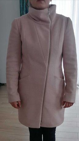 Elegancki płaszcz damski na każdą okazję
