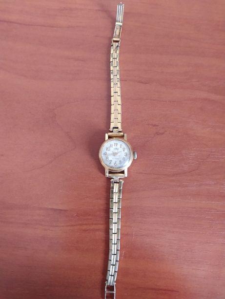 Женские Часы zarja (заря) позолоченные AU