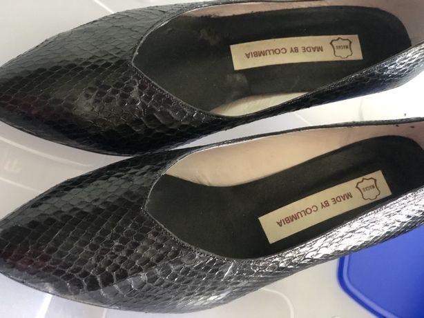 Sapatos pele cobra preto