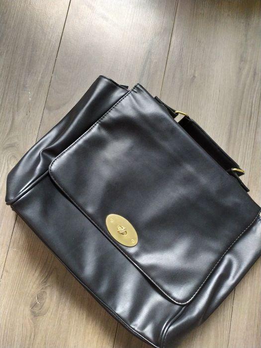 Czarna torebka do ręki Jastrzębie-Zdrój - image 1