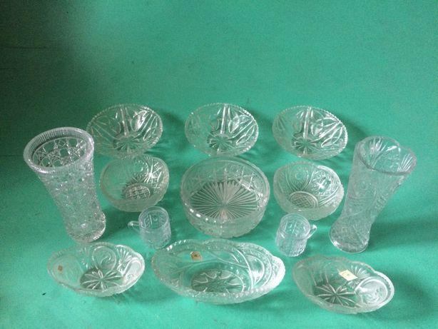 продам хрусталь вазы , ладьи , рюмки , бокалы