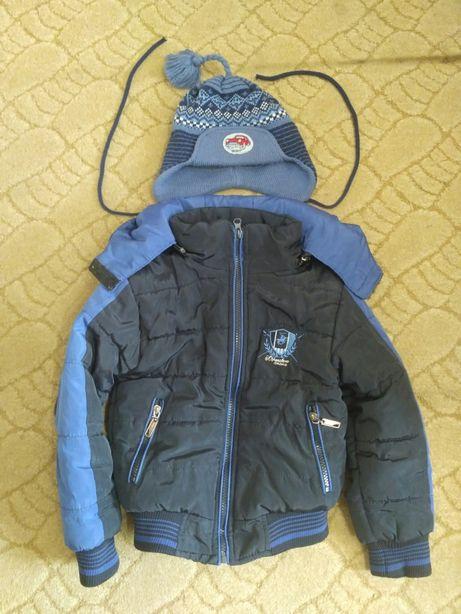 Демисезонная куртка, курточка на 3-4 года, в подарок шапка