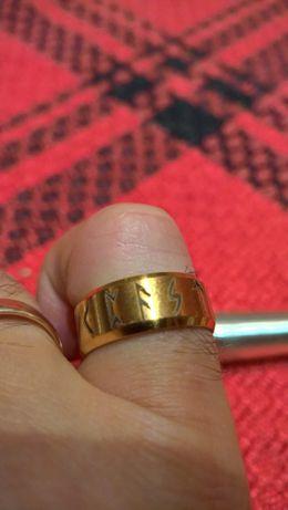 Pierscień Vikingów Runy-Amulet TYTAN ZŁOTY
