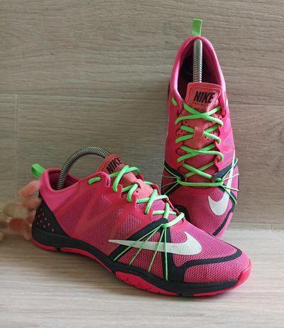 Кроссовки Nike размер 37,5