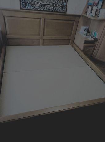 Продам 2 - х спальную кровать