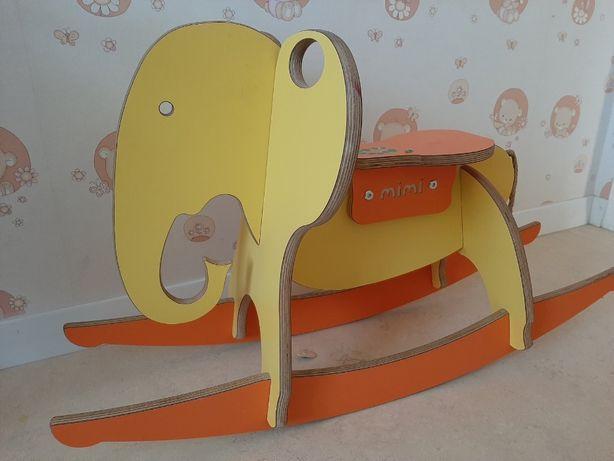 Дерев'яна качалка слоник