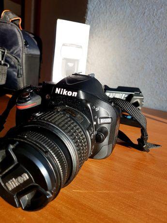 Sprzedam lustrzankę Nikon D5200