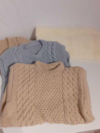 Zestwa recznie robioby sweterek, kamizelka i kocyk