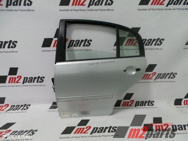 Porta Esquerdo/Trás VW POLO CLASSIC (6V2) Cinza Prata Semi-Novo