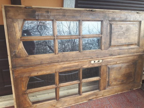 Двері дерев'яні двохполовинкові в комплекті