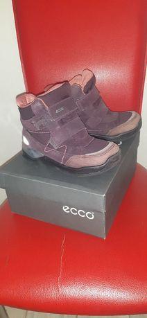 Продам сапоги ECCO на девочку в отличном состоянии.