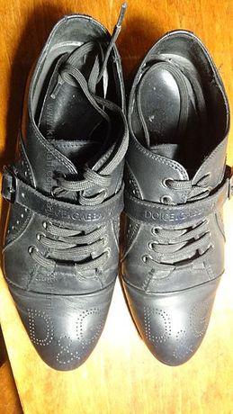 Спортивные туфли, размер 40.