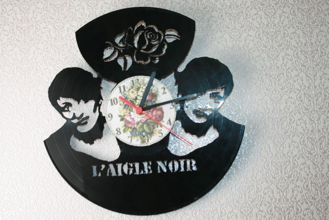 Relógio de Parede em Vinil de Barbara - L'aigle Noir