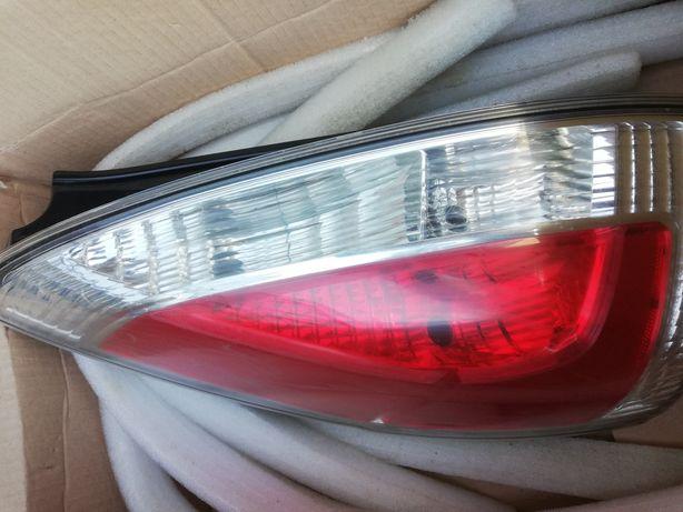 Lampa tylne lewo i prawo Mazda 5  2010