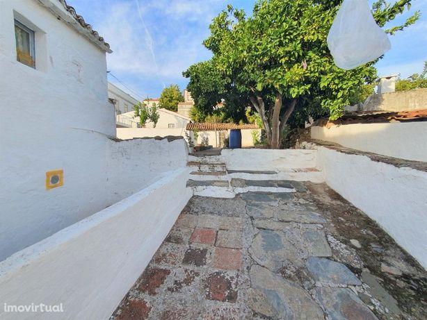 Moradia T3 com Quintal, no Centro Histórico do Alandroal