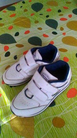 Кросівки для хлопця