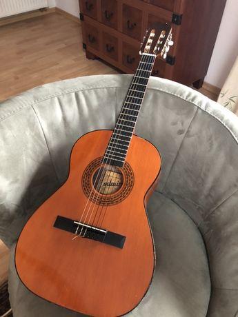 Gitara Admira