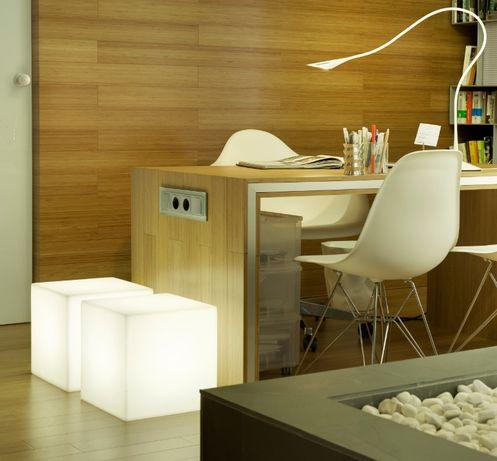 Mesa com luz sem fios