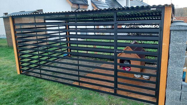 Kojec panelowy z belkami na rogach. Kojce dla psa. Rozmiar 4x2,5m.