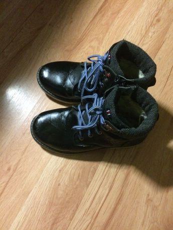 Продам ботинки +туфли