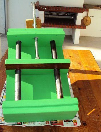 Prensa para aperto de madeira ou ferro artesanal com muita utilidade