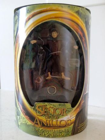 Figura FRODO Senhor dos Anéis, com acessórios e funções espectaculares