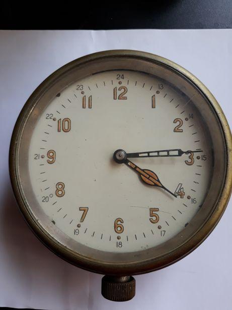 Часы корабельные. каютные СССР 1959 год.