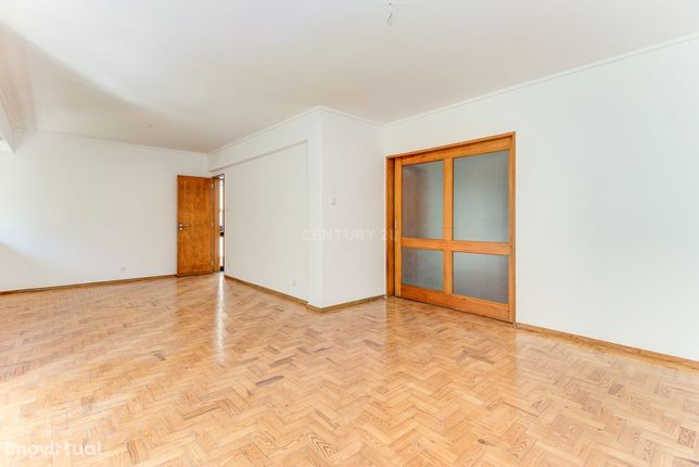 Apartamento T2 para arrendar no Monte Estoril