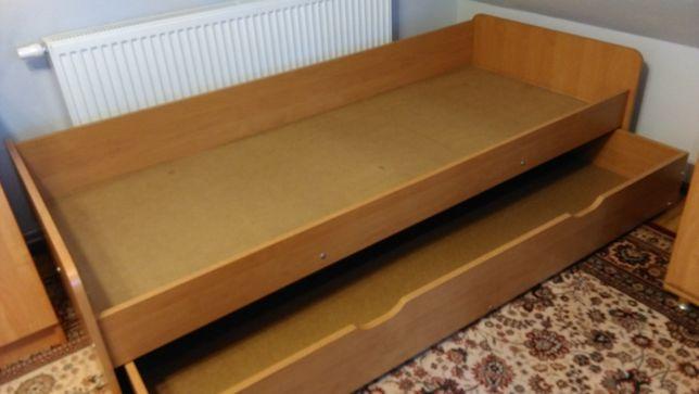 Łóżko z szufladą na pościel- bardzo solidne.