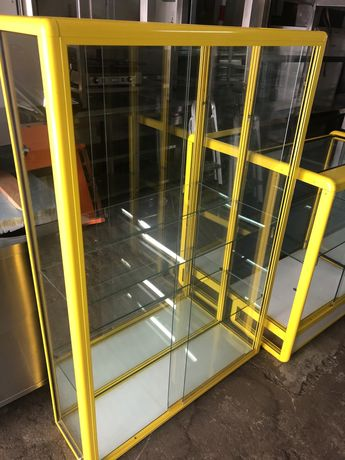 Móvel expositor em aluminio vertical c/ 3 prateleiras