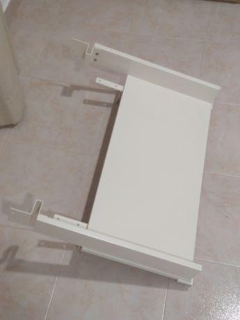 Prateleira de trocador/muda fraldas Hensvik (IKEA)