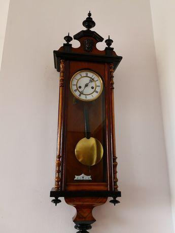 Stary zegar DR Patent z niskim numerem oceniam na koniec IX wieku